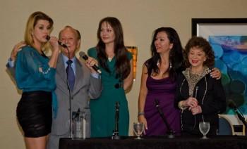 La ex Miss Universo y actriz Alicia Machado, el productor Arquímedes Rivero, la actriz Gabriela Spanic, la periodista Amanda Ospina y la escritora Delia Fiallo